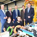 """IHK-Hauptgeschäftsführer würdigt auf """"Best-Practice-Tour"""" Raynet GmbH und Wächter Packautomatik GmbH & Co. KG"""