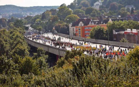 Bielefelds Stadtautobahn, der Ostwestfalendamm, wird am 9. September für den Verkehr gesperrt. © Bielefeld Marketing/Sarah Jonek