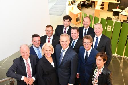 Wolf D. Meier-Scheuven bleibt Präsident der IHK