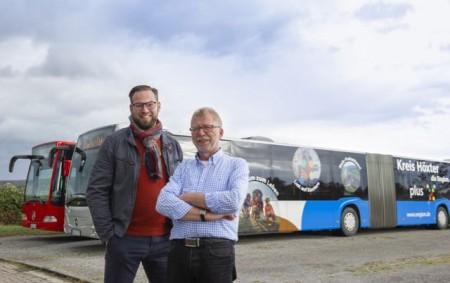 Risse Reisen stellt für Standortkampagne 15 Meter langen Gelenkbus zur Verfügung