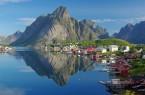 Norwegen und Schweden im Wandel der Jahreszeiten.