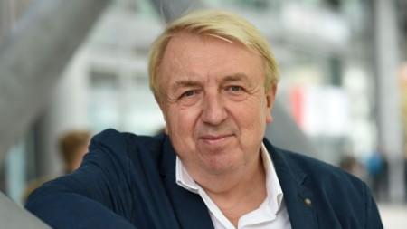 """Bertelsmann holt Bestsellerautor Hanns-Josef Ortheil auf """"Das Blaue Sofa Gütersloh"""""""