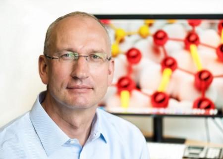 Prof. Dr. Wolf Gero Schmidt, Lehrstuhl Theoretische Materialphysik.Foto: Oksana Schmidt