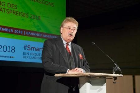 Elmar Brok warb als Mitglied des Europäischen Parlaments für die demokratischen Grundwerte von Europa.