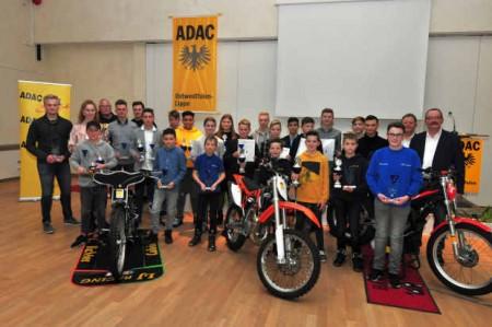 ADAC Jugendsportehrung 18 Gruppenbild
