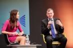 Der Botschafter von Estland, Dr. Mart Laanemäe, berichtete vom Fortschritt der Digitalisierung in Estland, links: Moderatorin Kristina Sterz