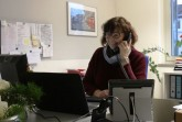 Gaby Nordahl vereinbart einen Termin, um bei einer neuen Kundin die Basisstation für den Hausnotruf zu installieren.