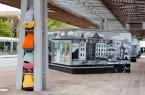 """Die Performance """"Bodies in Urban Spaces"""" von Cie. Willi Dorner in Bergkamen ist eine von zahlreichen Kunst-Aktionen, die im Bildband gezeigt werden. Foto Marc-Oliver Knappmann"""