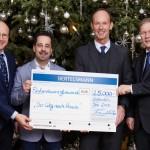"""Bertelsmann-Weihnachtsspende: 25.000 Euro für Initiative """"Der Weg nach Hause"""""""