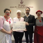 Lachen ist gesund - Klinik-Clows erhalten WÖHLER Spendengeschenk für die Arbeit im St. Josef Krankenhaus Salzkotten