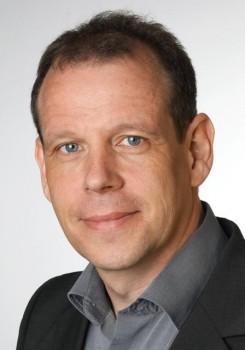 """""""Best Theory Paper Award"""" – Preis für Forschungsbeitrag von Prof. Dr. Guido Schryen auf internationaler Konferenz"""