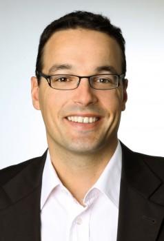 Prof. Dr. Dennis Kundisch hat seit 2009 den Lehrstuhl für Wirtschaftsinformatik an der Universität Paderborn inne.Foto Universität Paderborn