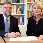 FH Bielefeld kooperiert mit Evangelisch Stiftischem Gymnasium in Gütersloh