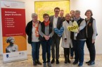 Ein Teil des Teams vom Kolping-Bezirk Wiedenbrück übergab kürzlich das 2000. Herzkissen an das Kooperative Brustzentrum Gütersloh (v.l.): Margret Lüers, Maria Steinberg, Dr. Johannes Middelanis (Sankt Elisabeth Hospital), Peter Johann-Vorderbrüggen, Dr. Wencke Ruhwedel (Klinikum Gütersloh), Martina Gausemeier, Gaby Rofallski und Helma Pohlmann.