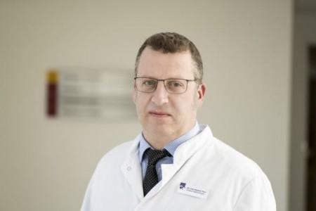 Dr. Roland Thul, Chefarzt der Klinik für Gefäßchirurgie im Klinikum Gütersloh