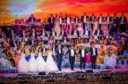 """Der """"Walzerkönig"""" ist zurück: Weltstar André Rieu und sein """"Johann Strauss Orchester"""" verzaubern am 11. Mai 2019 im Rahmen ihrer Welttournee erneut das ostwestfälische Publikum im GERRY WEBER STADION mit einem musikalischen Potpourri aus Walzerklängen, Filmmusik, Musical, Oper und Schlager. © Marcel van Hoorn"""
