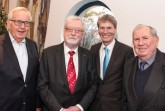 Vier Weggefährten, v. l.: Prof. em. Dr. Wolfgang Weber, Prof. em. Dr. Dr. h. c. mult. Peter Freese, Prof. Dr. Nikolaus Risch und Prof. em. Dr. Friedrich Buttler.Foto: Universität Paderborn, Kamil Glabica