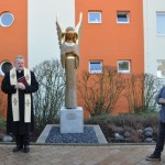 Engel behütet das St. Vincenz Hospital
