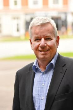 Holger Piening, Vorsitzender des IHK- Dienstleisterausschusses. Foto: IHK Ostwestfalen Industrie - und Handelskammer Ostwestfalen