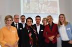 Brigitte Büscher, Moderatorin, Jörg Schillinger, Sprecher der Oetker Gruppe und Sprecher des Arbeitskreises Unternehmenskommunikation der IHK Ostwest- falen, Dr. Christoph von der Heiden, IHK-Geschäftsführer, Dr. Claudia Mast, Pro- fessorin Universität Hohenheim, Jörn Harguth, Mitglied der Geschäftsleitung Dr. Wolff Gruppe, Susanne Schaefer-Dieterle, Marketing-Club OWL Bielefeld e.V., Petra Gerster, ZDF-Nachrichtenredakteurin und Buchautorin, Tina Ruthe, In- fluencerin und Bloggerin (von links).Foto: IHK Ostwestfalen