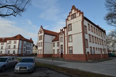 (Stadt Paderborn): Das sechste Netzwerktreffen führt die Mitglieder der Universitätsgesellschaft Paderborn auf das Gelände der Alanbrooke-Kaserne.