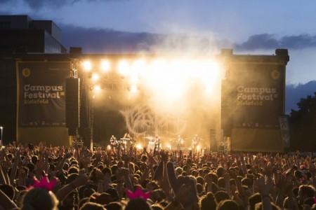 18.000 Festival-Besucher feierten 2018 auf dem Campus Bielefeld. Foto: Stefan Sättele