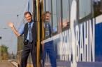 """Ein echter Profi mit dem Herz am rechten Fleck: Heute bekommt Kundenbetreuer Ronald Kwapinski von der NordWestBahn die Auszeichnung """"Eisenbahner mit Herz"""" in Bronze verliehen. Foto: NordWestBahn/Holger Jacoby"""