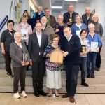 Umweltkalender-Rätsel: Gewinnübergabe im Rathaus