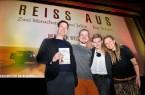 """Freude über die gelungene Premiere der Reisedokumentation ,,Reiss aus"""" bei (v.l.) Jörg Reker (Reker-Stiftung), Ulrich Stirnat (Filmautor), Pia Heggemann (Theaterleiterin Pollux by Cineplex) und Lena Wendt (Filmautorin)."""