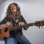 2. Tiny Shop Conzert mit der US – Musikerin Vicky Genfan