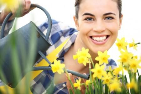 Die Gartenarbeit hat jetzt im Frühjahr Hochsaison. Wer gerne im Garten werkelt, sollte unbedingt seinen Impfschutz gegen Tetanus überprüfen. AOK/hfr.