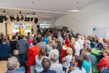 Bürgermeister Michael Jäcke begrüßt die Gäste, Foto: Paul Olfermann