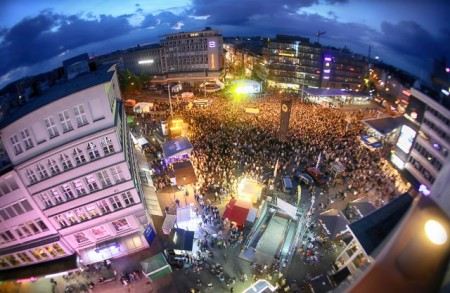 Auf dem Jahnplatz finden am 29. und 30. Mai große Live-Konzerte statt. Druckversion. Foto:Bielefeld Marketing/Sarah Jonek