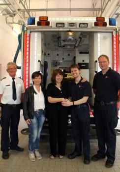 Foto (v.l.): Otto Bensiek, Yvonne Reiling, Marita Steinborn, Christian Mielenz und Frank Ruenhorst in der Feuer- und Rettungswache.