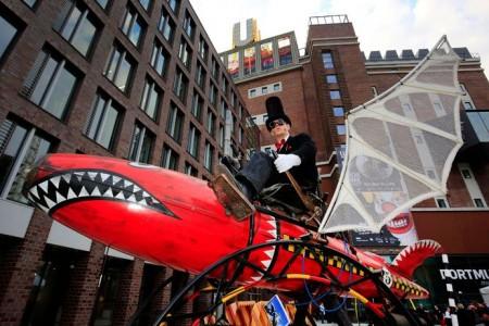 Spektakuläre Steampunk-Fahrzeuge und viele Mitmach-Angebote erwarten Besucher bei der Maker Faire OWL. Foto: Abacus Theater