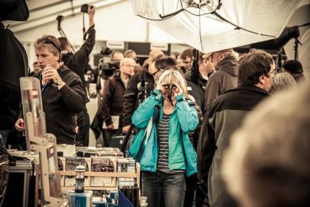 Fotomarkt Zingst - Mit auf dem Programm steht für Naturliebhaber die Sportoptik. Ferngläser also und Spektive, die geeignet sind, die Betrachtung von Tieren in freier Wildbahn zum großen Erlebnis zu machen. ©Anke Großklaß