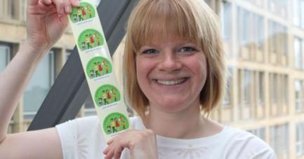 """Melanie Stitz,  Ansprechpartnerin für die """"Frühen Hilfen"""" in der Stadt Gütersloh, wirbt für eine Beteiligung an der Plattform www.familie-gt.de."""