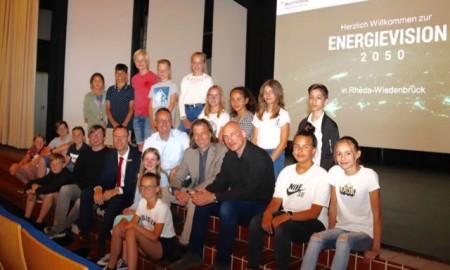 Viele Schülerinnen und Schüler besuchten die Bildungsveranstaltung am Einstein-Gymnasium, an der auch Bürgermeister Theo Mettenborg als Schirmherr teilnahm..Foto:Stadt Rheda Wiedenbrück