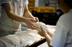 Wer eine Lehre in einer Bäckerei macht, kann sich über mehr Geld freuen – die Ausbildungsvergütungen steigen in der gesamten Branche. Für etliche Azubis gibt es rückwirkend ab September 2018 einen Nachschlag.Foto: NGG