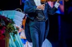 """Der """"Walzerkönig"""" kehrt in die Haller Eventarena zurück: Weltstar André Rieu präsentiert gemeinsam mit dem """"Johann Strauss Orchester"""" am 16. Mai 2020 seine große Geburtstagstournee in HalleWestfalen und verzaubert seine Fans mit den schönsten Titeln aus Film, Musical, Oper und vielen herrlichen Walzern. © André Rieu Productions"""