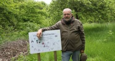 Grünes Kleinod an der Ramsiekquelle: Naturschützer Wolfgang Heper hat sich für den Erhalt des Biotops eingesetzt.   © Nicole Bliesener