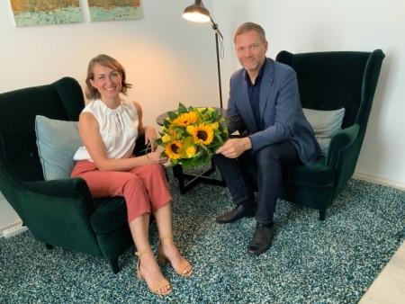 Foto: Frau Kristina Kost und Bürgermeister Jürgen Schell