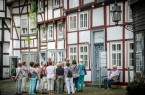 Der Alte Kirchplatz ist eine Station während des klassischen Stadtrundgangs. (Foto: Detlef Güthenke)