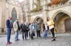 Gäste  können bei einer der zahlreichen Stadtführungen aus dem Angebot des Stadtmarketings die Löwenstadt entdecken. Eine Auswahl der Touren präsentiert die neue Stadtführungsbroschüre.  Foto: Braunschweig Stadtmarketing GmbH/Moritz Küstner