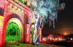 Nur noch bis Sonntag, 27. Oktober ist der Park abends bis 22.00 Uhr farbenfroh, mystisch und voller Überraschungen inszeniert.  Foto:: Manuel Gutsche