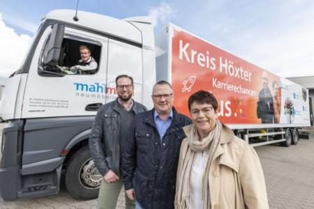 Schicken die Marketing-PS auf die Straße: (vlnr.) Axel Mahlmann, Heiko Böddeker, Gerhard und Andrea Mahlmann