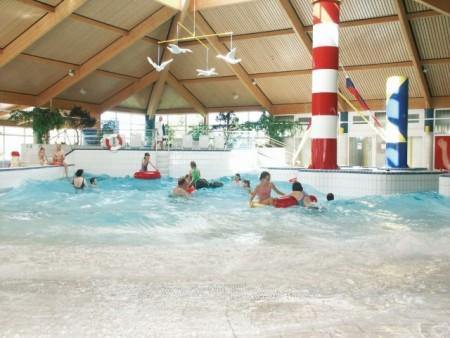 Erholung und Spaß im Wellenbad, Foto: Kai Quedens