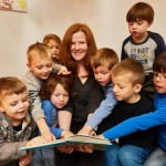 105 Bertelsmann-Mitarbeiter lesen über 2.570 Kindern vor