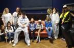 Teilnehmer, Projektbeteiligte und Betreuer freuen sich nach einem erfolgreichem Rätselspaß: Zoe, Jennifer Fröhlich (hinten, Jugendtreff), Abby, Annika (hinten, Projektgruppe Plastikfrei),  Tim (Projektgruppe Plastikfrei), Kevin (Projektgruppe Plastikfrei), Rebekka, Anna-Sophie,  Aljosha, Finja (Projektgruppe Plastikfrei) und Kira (Projektgruppe Plastikfrei).  Foto: Jugendtreff Höxter