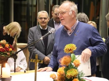 Dr. Andreas Püttmann (2. von rechts, hier mit den Diözesanvorsitzenden) rief die Delegierten in seinem engagierten Vortrag zu einem klaren Bekenntnis gegen Rechtspopulismus auf.Foto: Mario Polzer